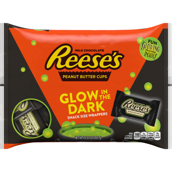 Reese's Halloween Snack Size Peanut Butter Cups with Glow in the Dark Wrappers, 9.35 Ounces